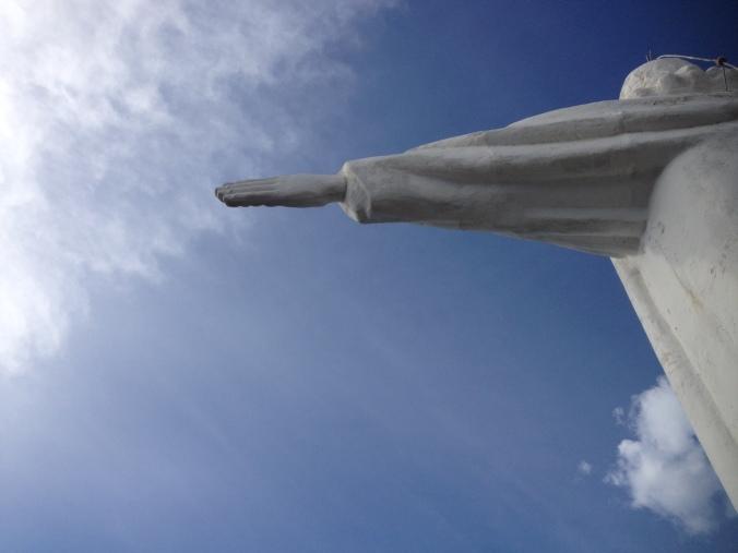 jesus-estatua-sol-ceu-luz
