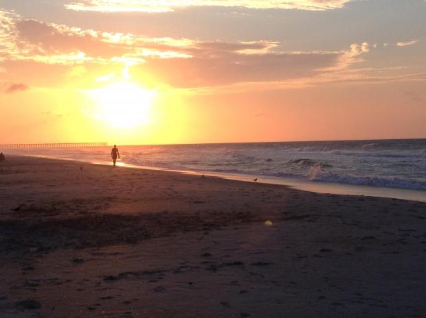 praia-sol-pessoa-caminhada-pier